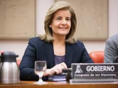 La oposición convoca a Báñez de urgencia para hablar de las pensiones
