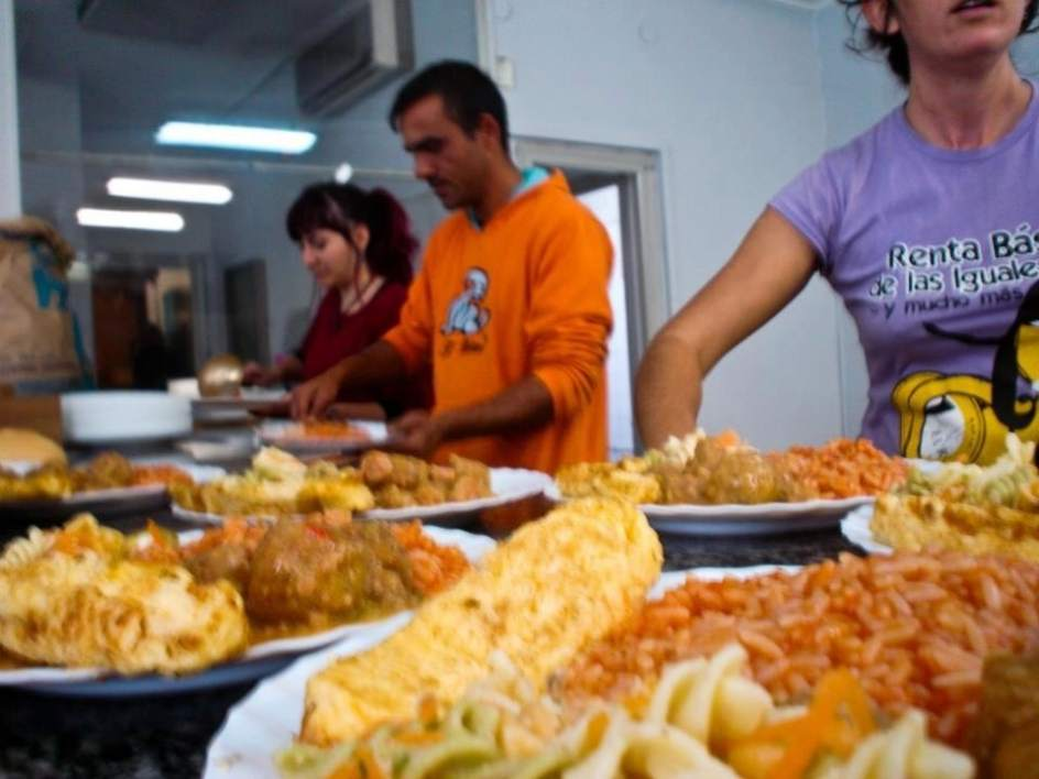 El comedor social de palma palmilla er banco g eno pide for Servir comida