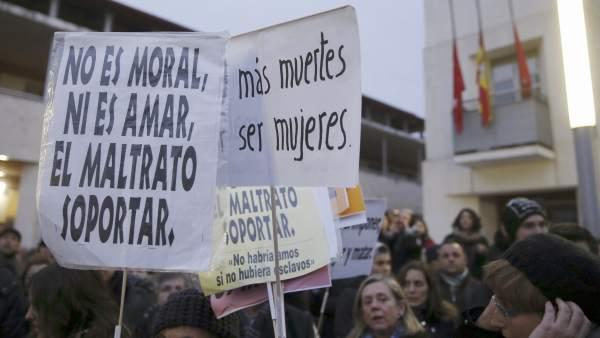 Concentración en Rivas por violencia machista