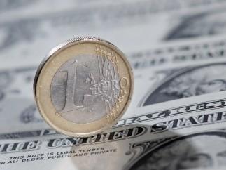 La UE quiere fortalecer el euro y que las compras de petróleo no solo dependan de la cotización del dólar