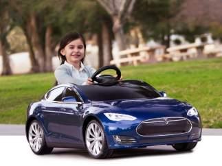 Tesla Model S infantil