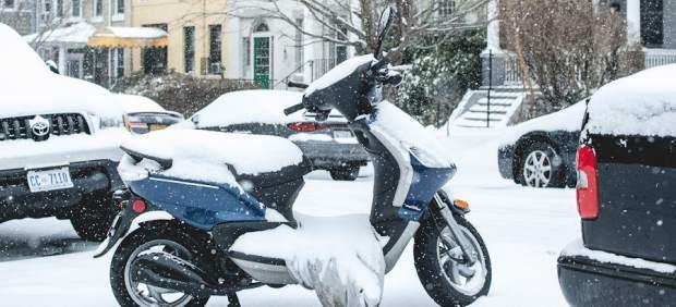 Moto en la nieve