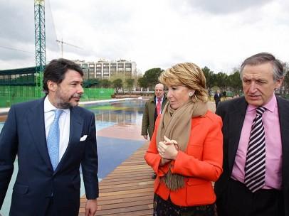Esperanza Aguirre e Ignacio González en el golf de Chamberí