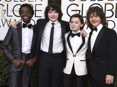 Los niños de Stranger Things, en la alfombra roja de los Globos de Oro.