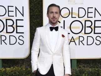 Ryan Gosling, en la alfombra roja de los Globos de Oro.