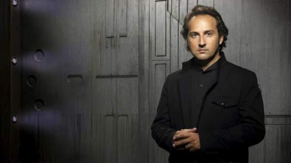Iker Jiménez ofrece una visita guiada por la exposición \'Cuarto ...