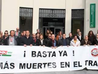 Concentración de UGT y CCOO por la última muerte por accidente laboral en Málaga