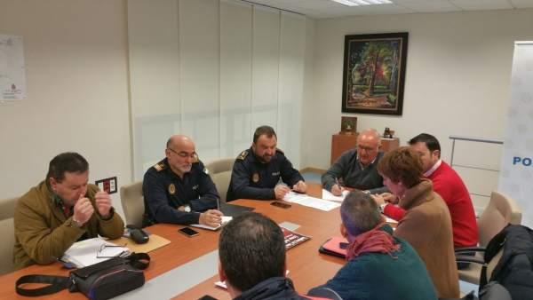Reunión para coordinar el dispositivo de seguridad en San Antón