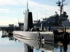 Hunden un submarino para convertirlo en un arrecife artificial