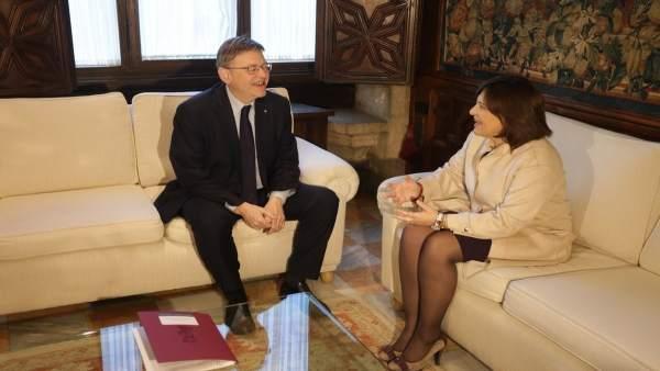 Isabel Bonig en una reunión con Ximo Puig