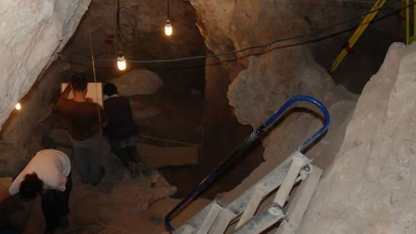Hallan evidencias de canibalismo en Alicante hace 10.000 años