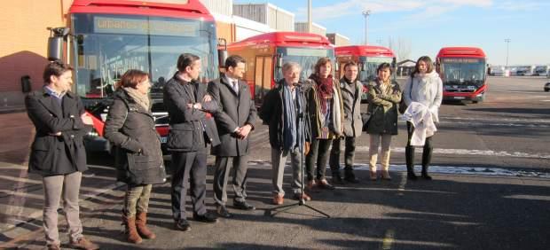 Presentación de los cuatro primeros autobuses híbridos en Zaragoza