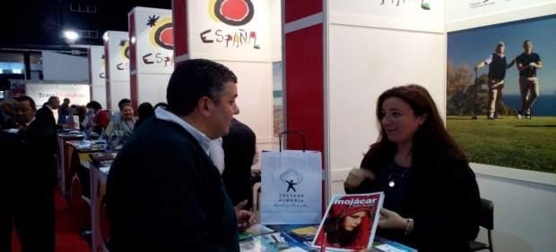 La Diputación comienza 2017 asistiendo a la Feria 'Vakantiebeurs'.