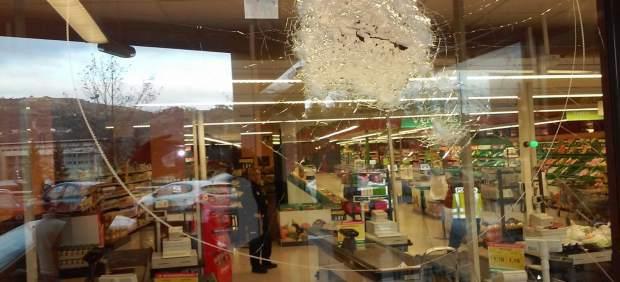 Disparos en un supermercado de Ourense por un hombre que entró con escopeta