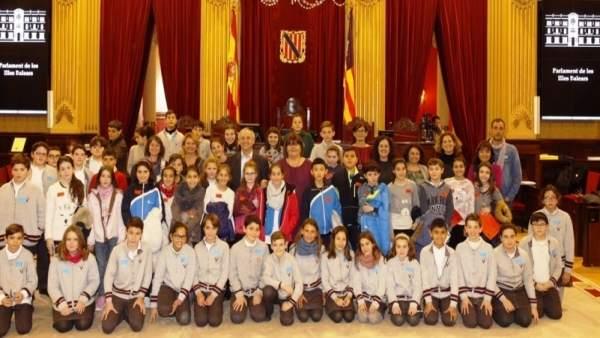 Pleno de los niños en el Parlament