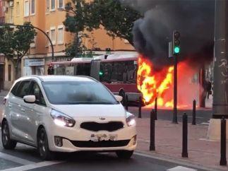 Se incendia un autobús de la EMT en Valencia