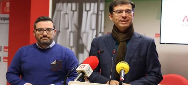 Cristóbal Fernández y Manuel Chicón en rueda de prensa.