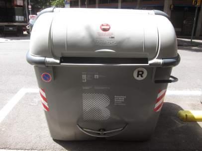 Contenedor gris de Barcelona.