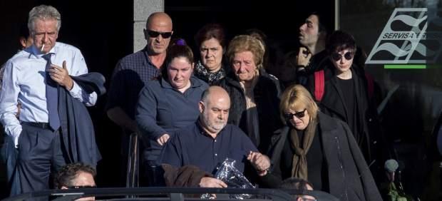 Funeral por la niña que se suicidó en su domicilio de Aljucer