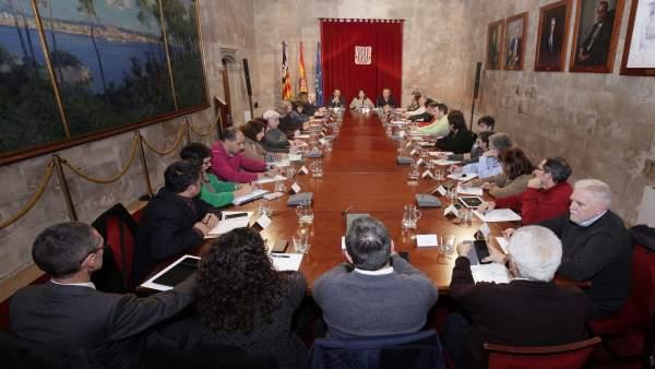 Reunión entre el Govern y el Consell Escolar