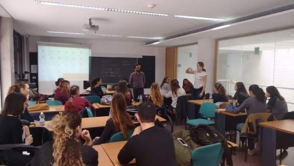Torrevella (Alacant) acull per primera vegada els exàmens de valencià de la UA