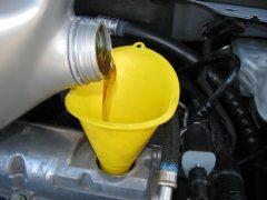 ¿Es bueno cambiar el aceite del coche en invierno?