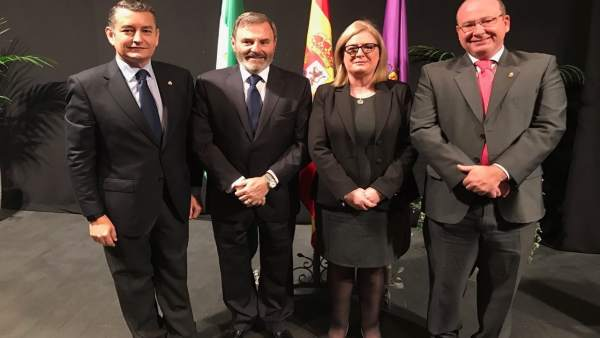 La subdelegada, Francisca Molina, con Antonio Sanz, Juan Lillo y Javier Márquez.