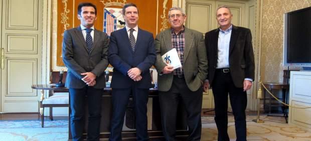 Presentación del calendario de la Pista Cubierta de Atletismo de Salamanca