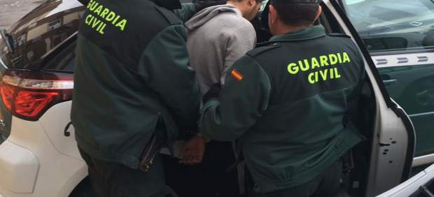 Detención de un joven por robos con violencia y atraco