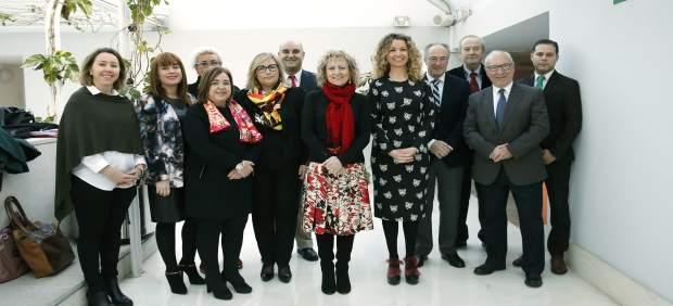 La vicepresidenta comparece en el Parlamento con todo su equipo
