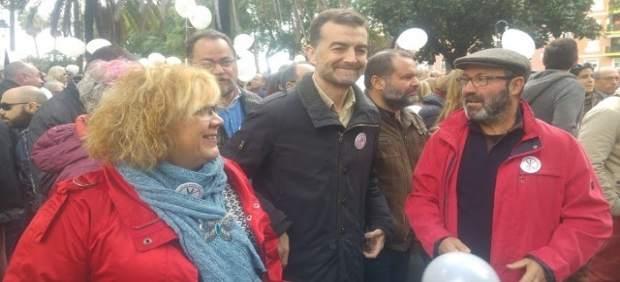 Monica Rossi, Antonio Maillo y Pedro Jiménez en la manifestación por la sanidad