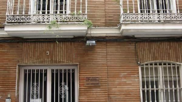Fachada Principal Del Albergue Municipal De Huelva.
