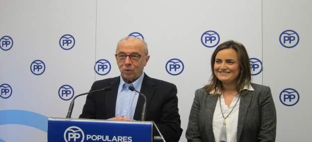Los senadores del PPN José Cruz Pérez Lapazarán y Cristina Sanz