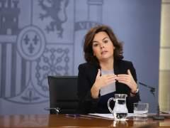 """Sáenz de Santamaría insiste a Puigdemont:""""El referéndum es innegociable"""""""