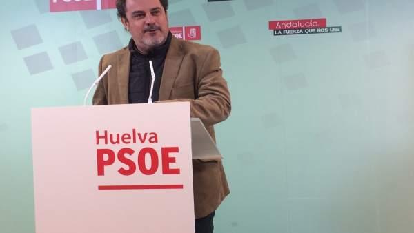Jesús Ferrera en la sede del PSOE