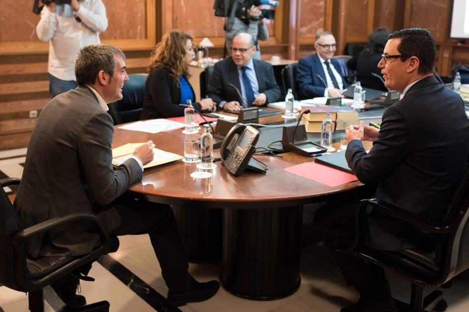 El gobierno de canarias prorroga el convenio de promoci n for Gobierno exterior