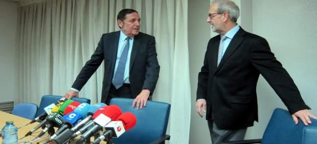Sáez Aguado junto al rector de la USAL en Salamanca