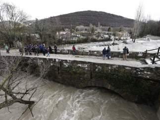 Un hombre se entrega a la Policía diciendo que ha matado a su mujer y la ha tirado al río Arga