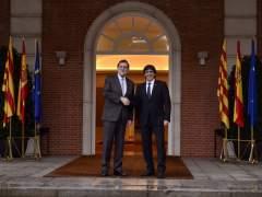 """Puigdemont promete un referéndum """"vinculante"""" para una """"Cataluña libre"""""""