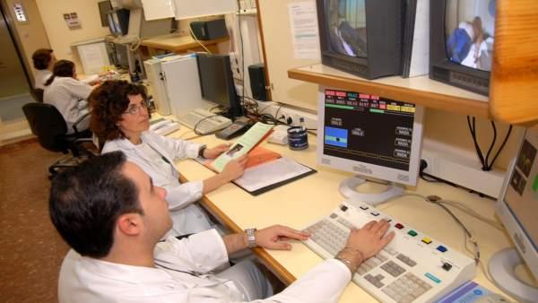 En La Imagen Una Sesión De Radioterapia Oncológica