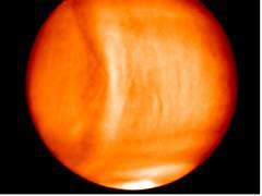 Descubren un 'bulto' masivo en la atmósfera de Venus
