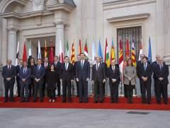 Rajoy avisa de que aún hay que recaudar más y reducir gastos