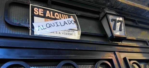 Varón de 30 años, con contrato estable y nómina de 1.100 euros, el perfil del inquilino en España