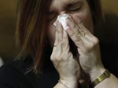 Los casos de gripe suben un 42% y llenan las urgencias de los hospitales madrileños
