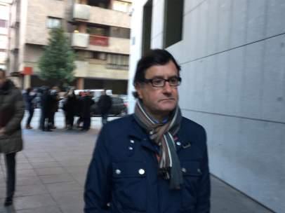 El abogado de UGT Francisco Alonso, a la entrada del Juzgado