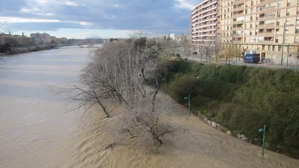 El Ebro, en la ciudad de Zaragoza