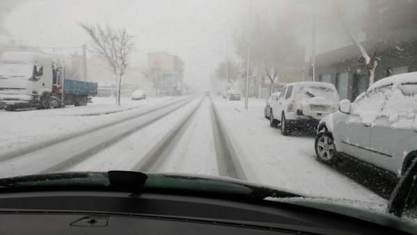 Una carretera en Caravaca de la Cruz, completamente nevada