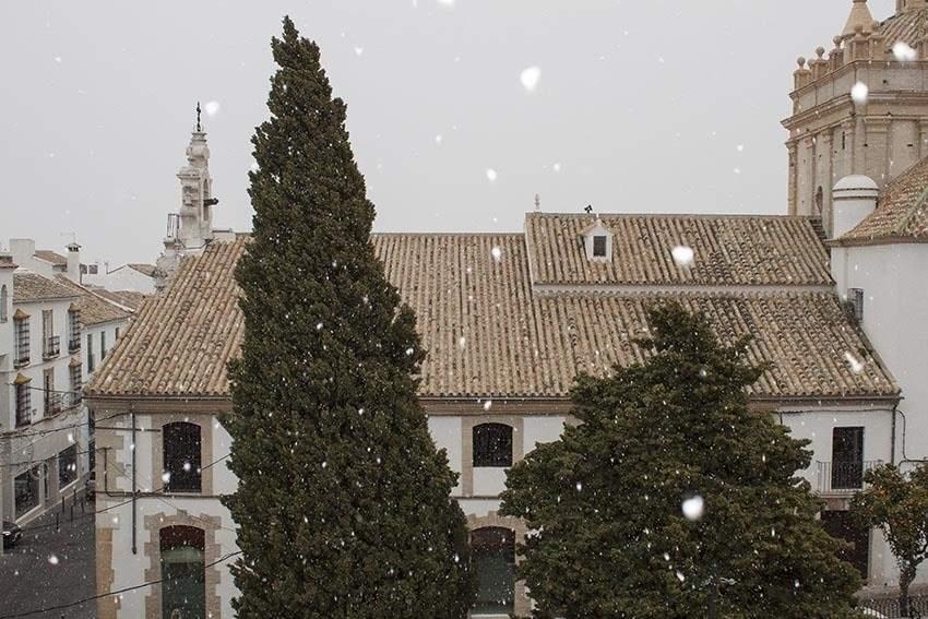 La nieve llega tambi n a osuna y estepa entre g lidas temperaturas - Pisos en estepa ...