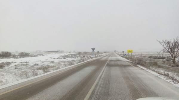 1.200 Vehículos Están Atrapados En Las Carreteras Valencianas