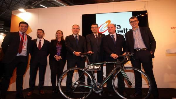Bendodo alcaldes antequera y coin vuelta ciclista fitur